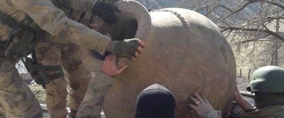 tuncelide-teror-operasyonunda-bin-500-yillik-tarihi-eser-ele-gecirildi_1260_dhaphoto1.jpg