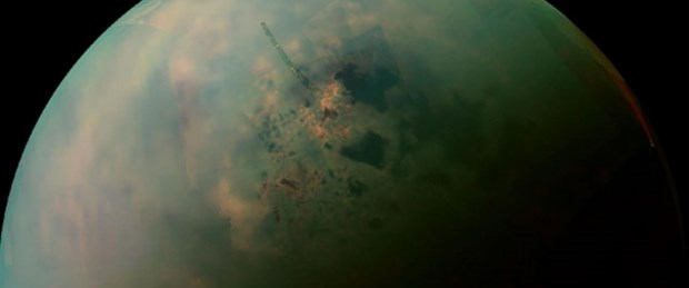 Titan'ın göllerine yakın çekim
