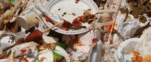 Tonlarca gıda çöpte