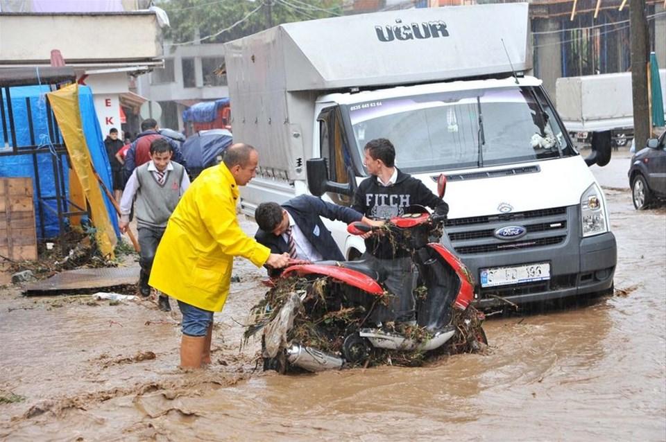 Trabzon ve Rize sele teslim