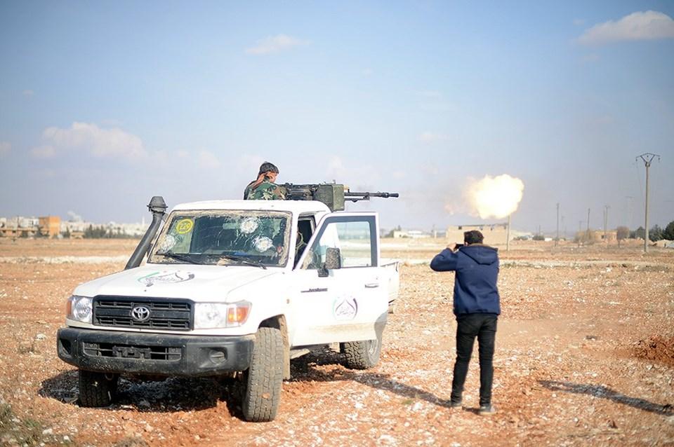 Fırat Kalkanı Harekatı'nda Türk Silahlı Kuvvetleri destekli Özgür Suriye Ordusu güçleri...