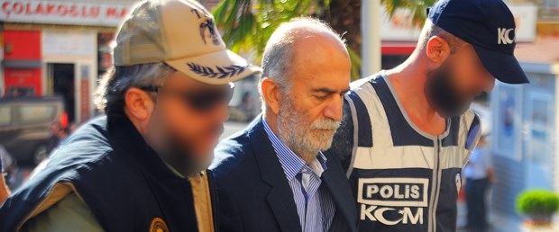 tutuklanan-eski-valinin-uzerinde-arapca-not_4944_dhaphoto1.jpg