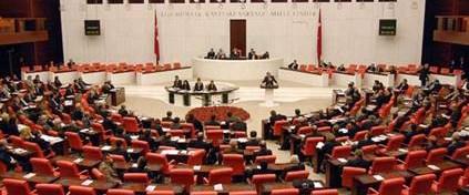 Tutuklu vekiller komisyonu uzlaştı