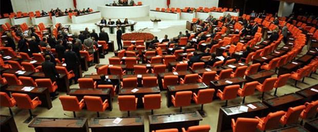Tutuklu vekillere maaş meclis gündemde
