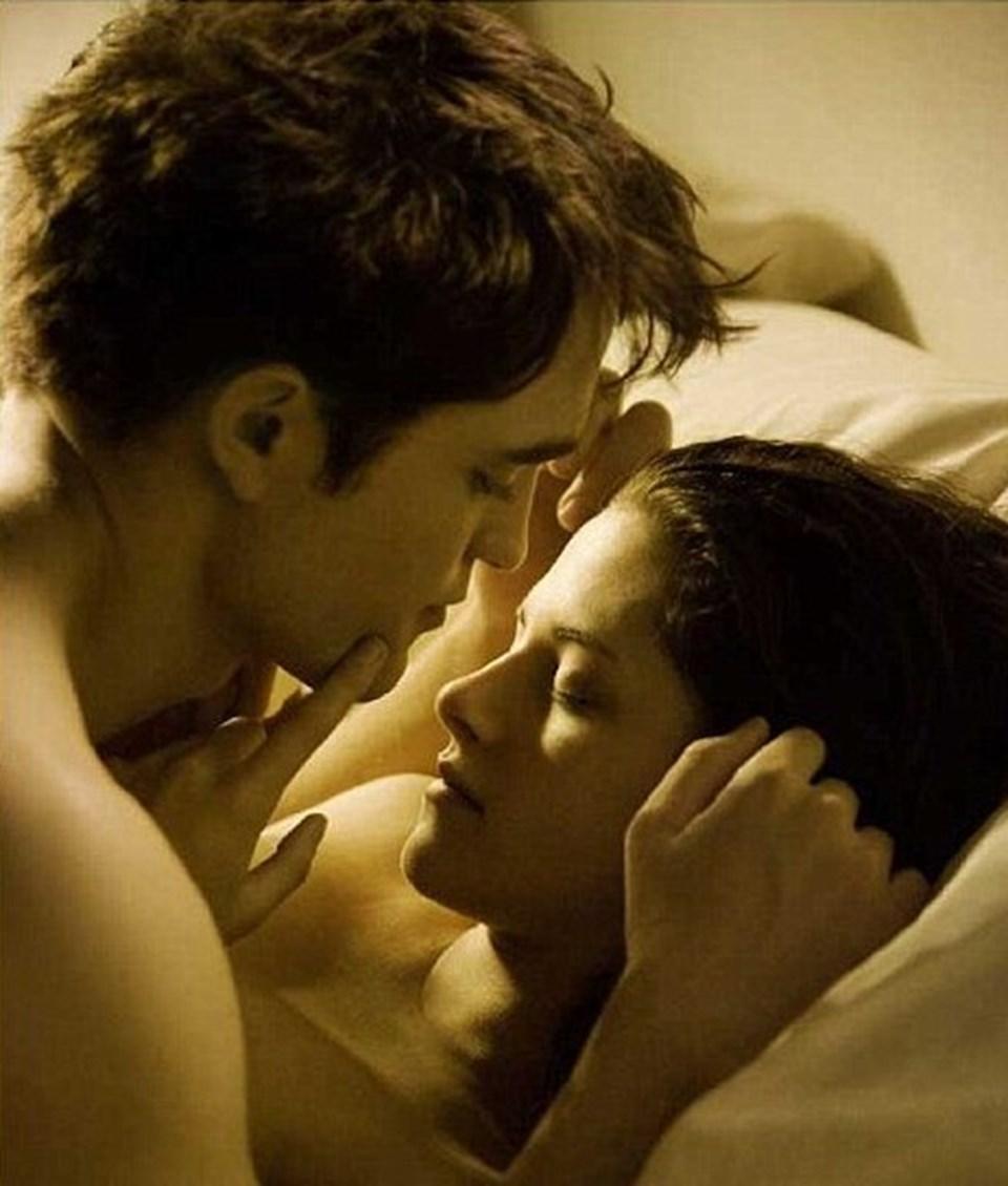 Robert Pattinson ve Kristen Stewart'ın canlandırdığı Edward ve Bella karakterleri