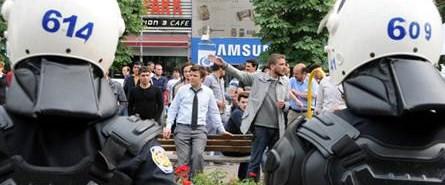 Üniversitede Lice protestosu: 17 gözaltı