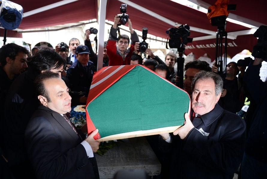 Ünlü ressama cenaze töreni