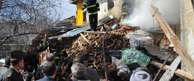 Uşak'ta yangın faciası: 3'ü çocuk 4 ölü