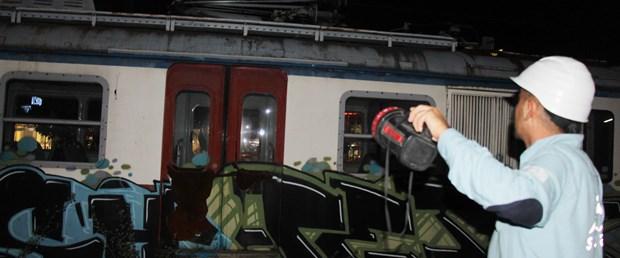 vagon-uzerinde-selfie-yaparken-elektrik-akimina-kapilan-genc-oldu_1520_dhaphoto3.jpg