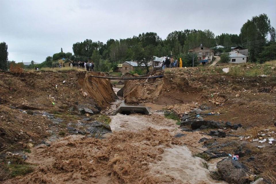 Van'da sel: 1 ölü, 1 kayıp
