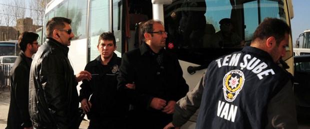 Van'daki KCK operasyonuna 8 tutuklama