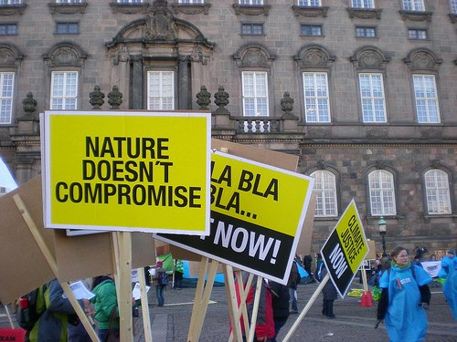Kopenhag'daki İklim Zirvesi'nde aktivistler