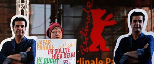Yasak 'Perde' Berlin'de açıldı