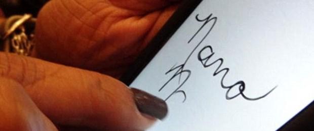 Yeni moda: iPhone dostu manikür