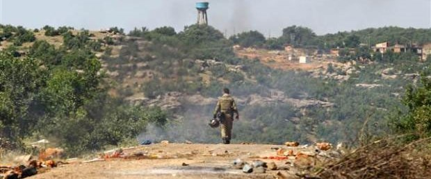 Yol kapatan PKK'lılara operasyon