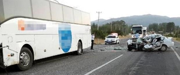 otobüs-kaza-19-08-15.jpg