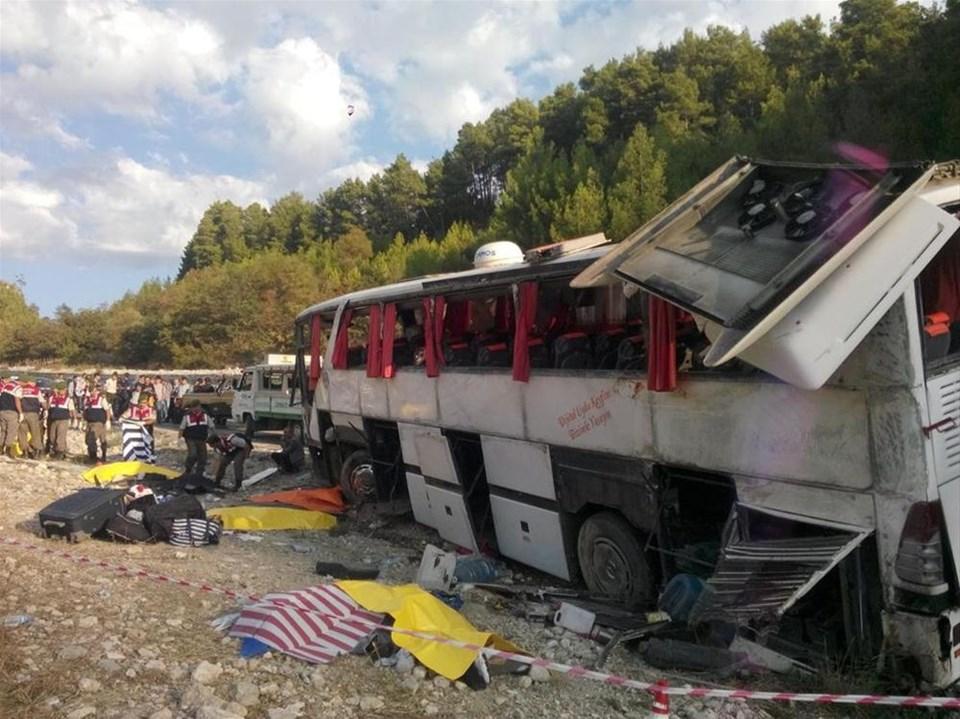 Yolcu otobüsü şarampole uçtu: 13 ölü