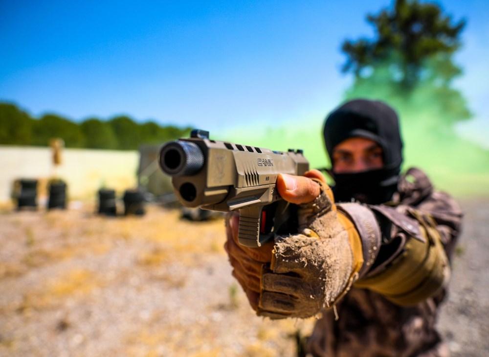 Özel Harekat'tan 35 derece sıcakta zorlu eğitim: Yerli silah 'Çılgın kız' dikkat çekti - 10
