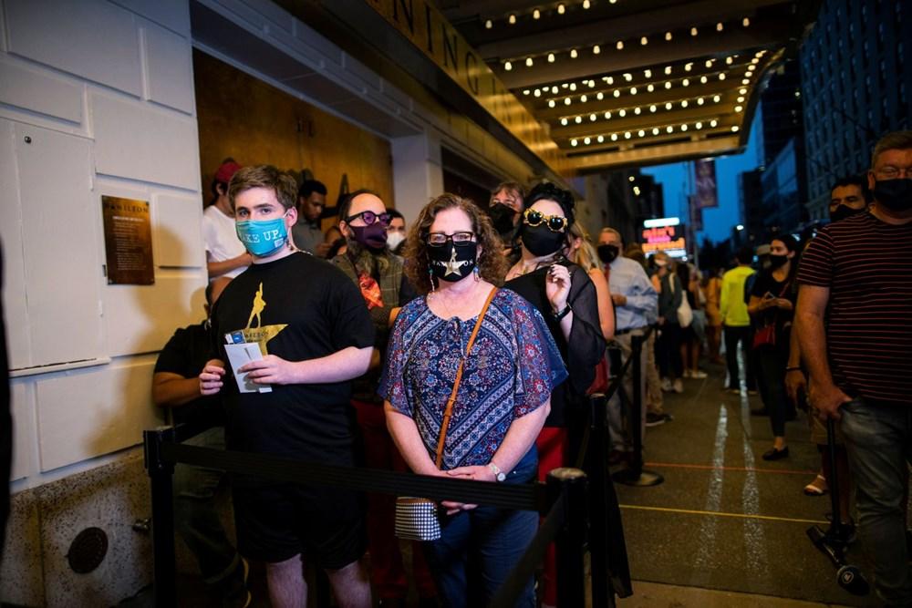 1,5 yıldır kapalı olan Broadway Tiyatrosu yeniden perdelerini açtı - 6