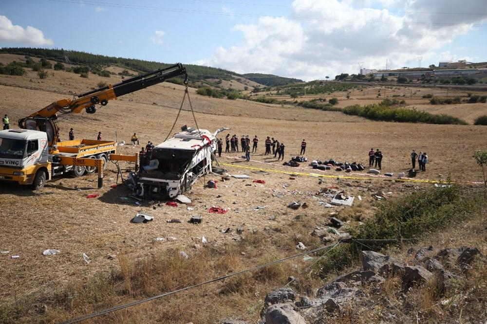 Balıkesir'de yolcu otobüsü devrildi: 15 kişi hayatını kaybetti - 27