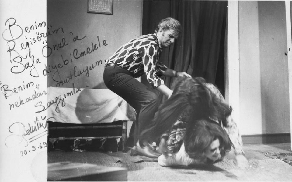 Kalbimin Sahibi filminden... Zeki Müren, Sema Özcan, Piraye Uzun. 1969.