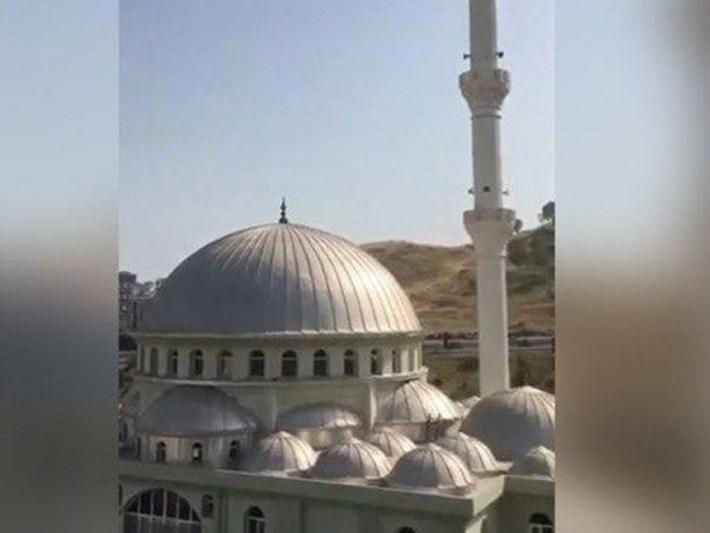 Cami hoparlöründen müzik yayını soruşturmasında tutuklanan Banu Özdemir, tahliye edildi