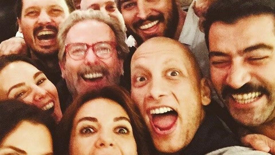 Aralarında Uğurkan Erez, Kenan İmirzalıoğlu, İbrahim Çelikkol ve Arzum Onan gibi onlarca ünlü isim her ay buluşup kanserle mücadele eden Sertaç Boztepe'ye moral veriyordu.