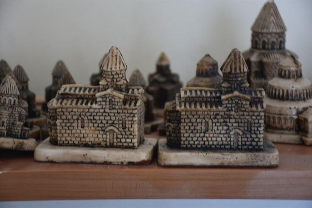 Kars'ın asırlık abide yapıları minyatüre dönüştü - 7
