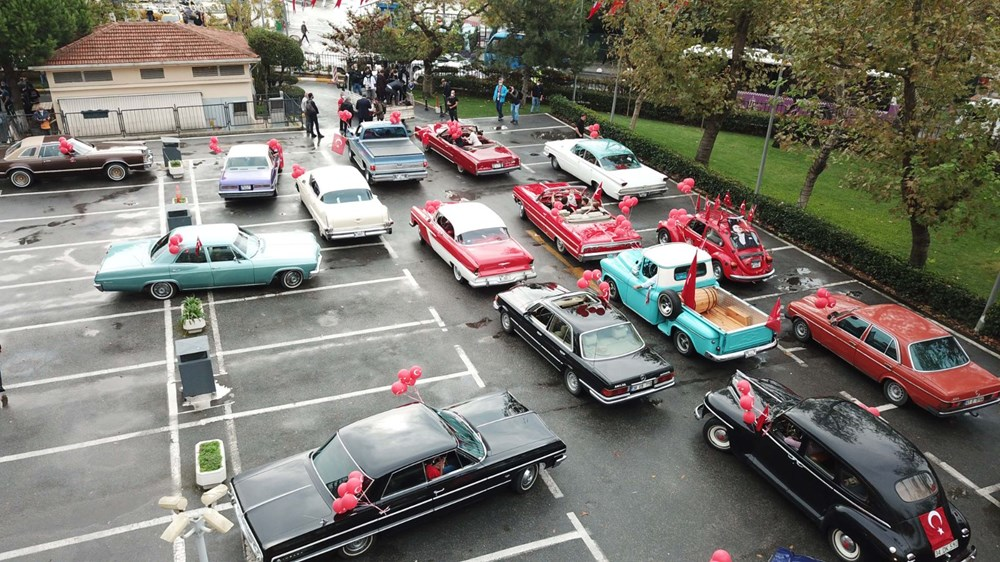 Kadıköy'de klasik otomobillerden Cumhuriyet Konvoyu - 8