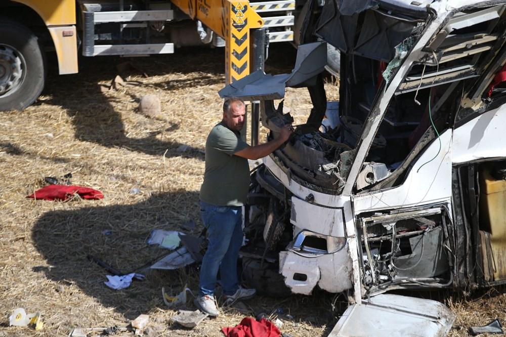 Balıkesir'de yolcu otobüsü devrildi: 15 kişi hayatını kaybetti - 42