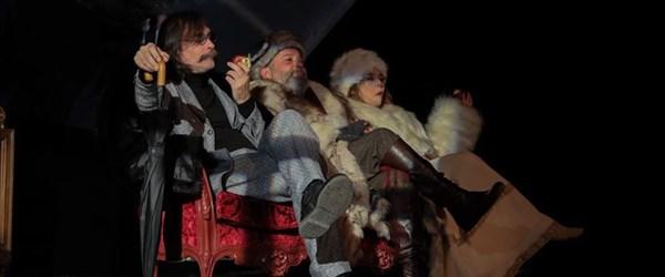Erdal Beşikçioğlu'nun yeni oyunu Nina'nın prömiyeri yapıldı