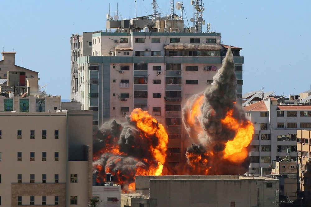 Israel's air strikes continue: loss of life increased to 147 - 1