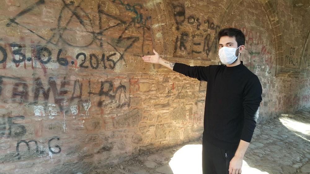 Tarihi Cihanoğlu Külliyesi'nin duvarlarına yazı yazılmasına tepki - 5