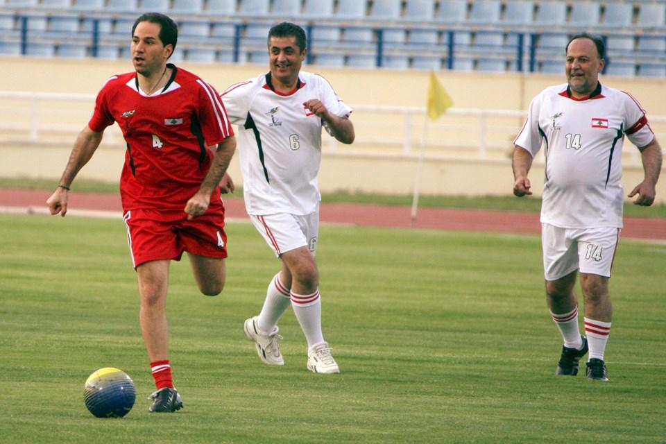 30 dakika süren maçta kim galip geldi? Lübnan'ın en genç milletvekili olan Sami Cemayel'in iki golü sayesinde 14 Mart Hareketi.
