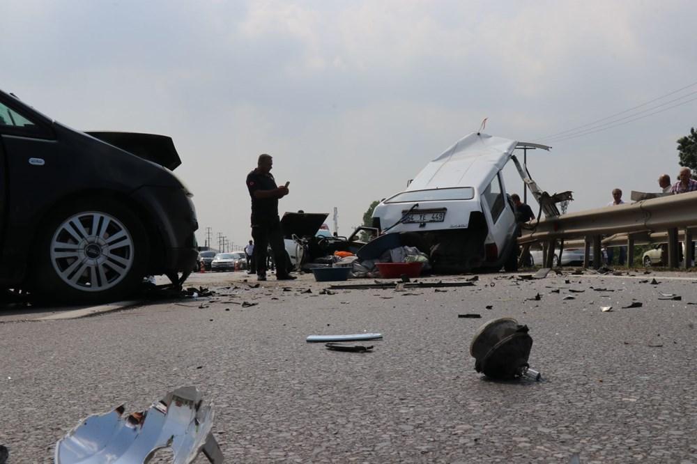 E-5'teki kazada otomobil ikiye bölündü - 5