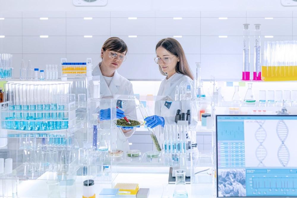 Bazı insanların Covid-19'dan hastalanmamasını sağlayan gen ilk kez keşfedildi: Aşılama öncesi genetik test yapılabilir - 2