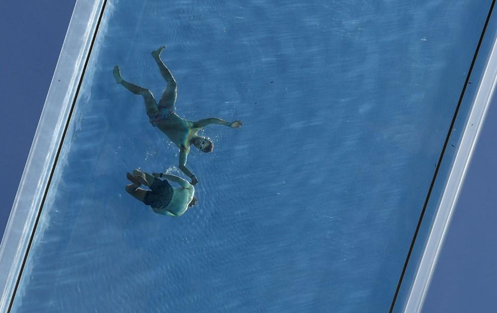 Dünyanın ilk transparan gökyüzü havuzu 'Embassy Gardens' ziyaretçi akınına uğradı - 9