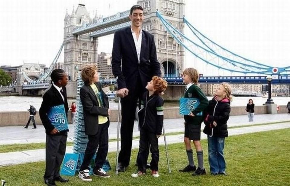 Dünyanın en uzun boylu insanı Sultan Kösen.
