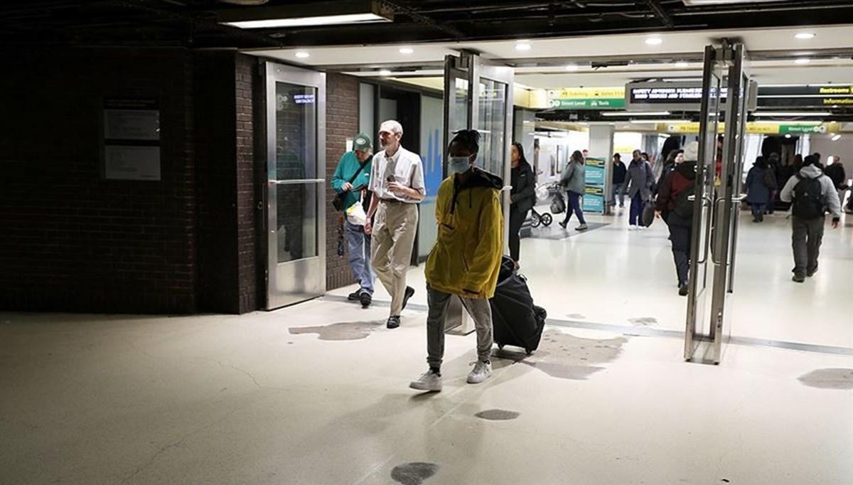 ABD, Covid-19 nedeniyle ilan ettiği 4. seviye global seyahat uyarısını kaldırdı