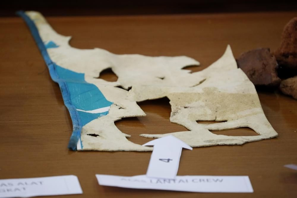 Missing submarine wreck fragments found in Indonesia - 3