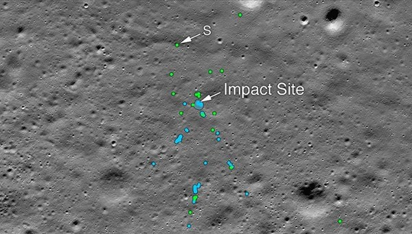 Hindistan'ın Ay yüzeyindeki kayıp modülü Vikram'ın enkazı bulundu