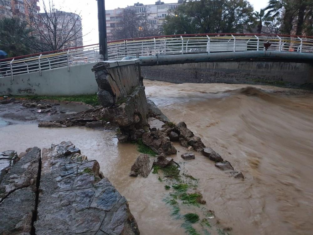 İzmir'i sel vurdu: 2 can kaybı - 8