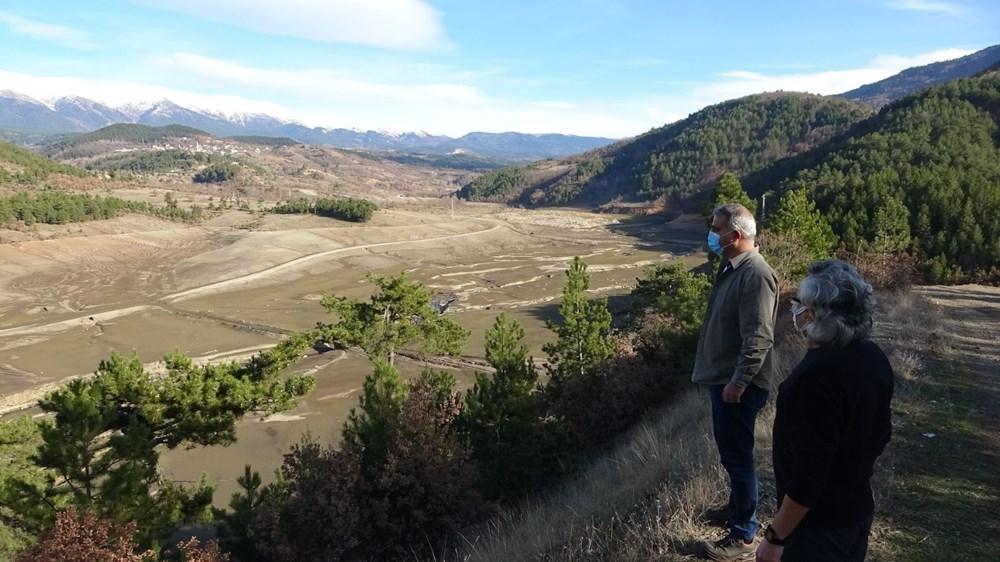 Bursa'nın su ihtiyacını karşılayan barajda su oranı yüzde 5'e düştü - 8