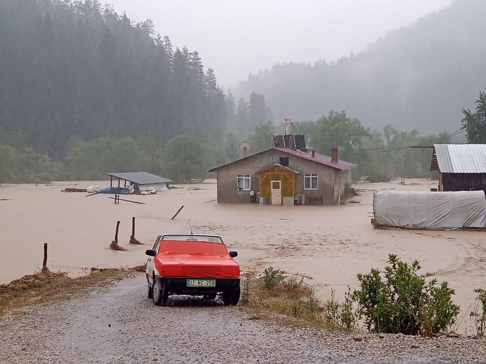 Batı Karadeniz'i sel vurdu: 13 yaşındaki kız çocuğu selde kayboldu - 15