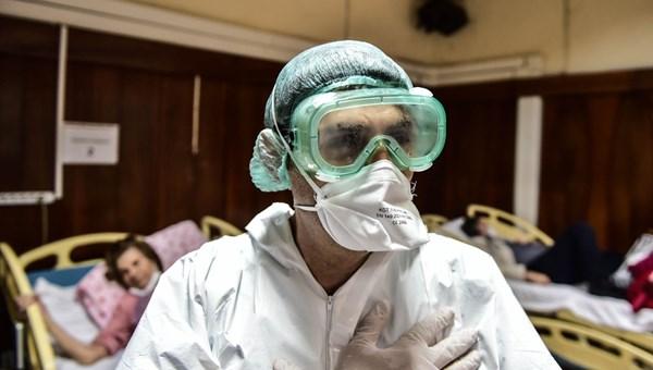 Sağlık savaşçılarının 24 saatlik corona virüs mücadelesi