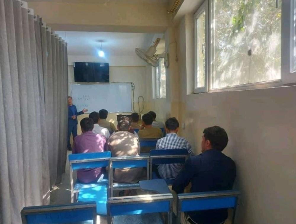 Afganistan'da eğitim başladı: Kız ve erkek öğrenciler perdeyle ayrıldı - 4