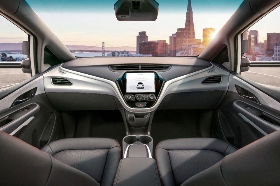 Tam otonom araçların kullanıma girmesi ile insan faktörünün denklemden çıkması sayesinde trafik kazalarında ciddi bir düşüş bekleniyor.