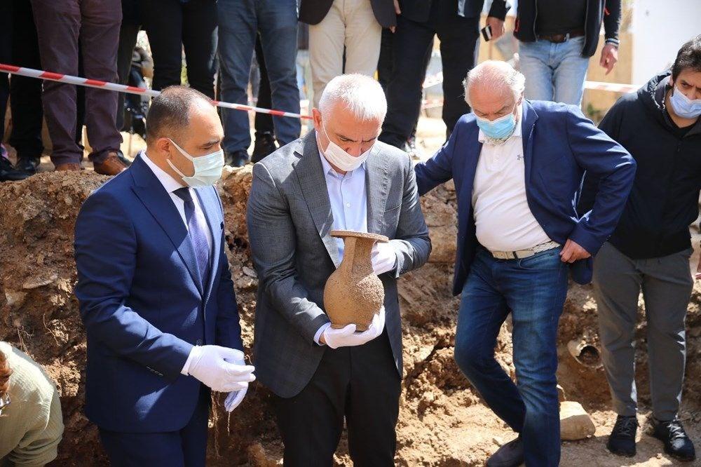 Bodrum'da 2400 yıllık tarihi lahit mezar kazısından altın çıktı - 2