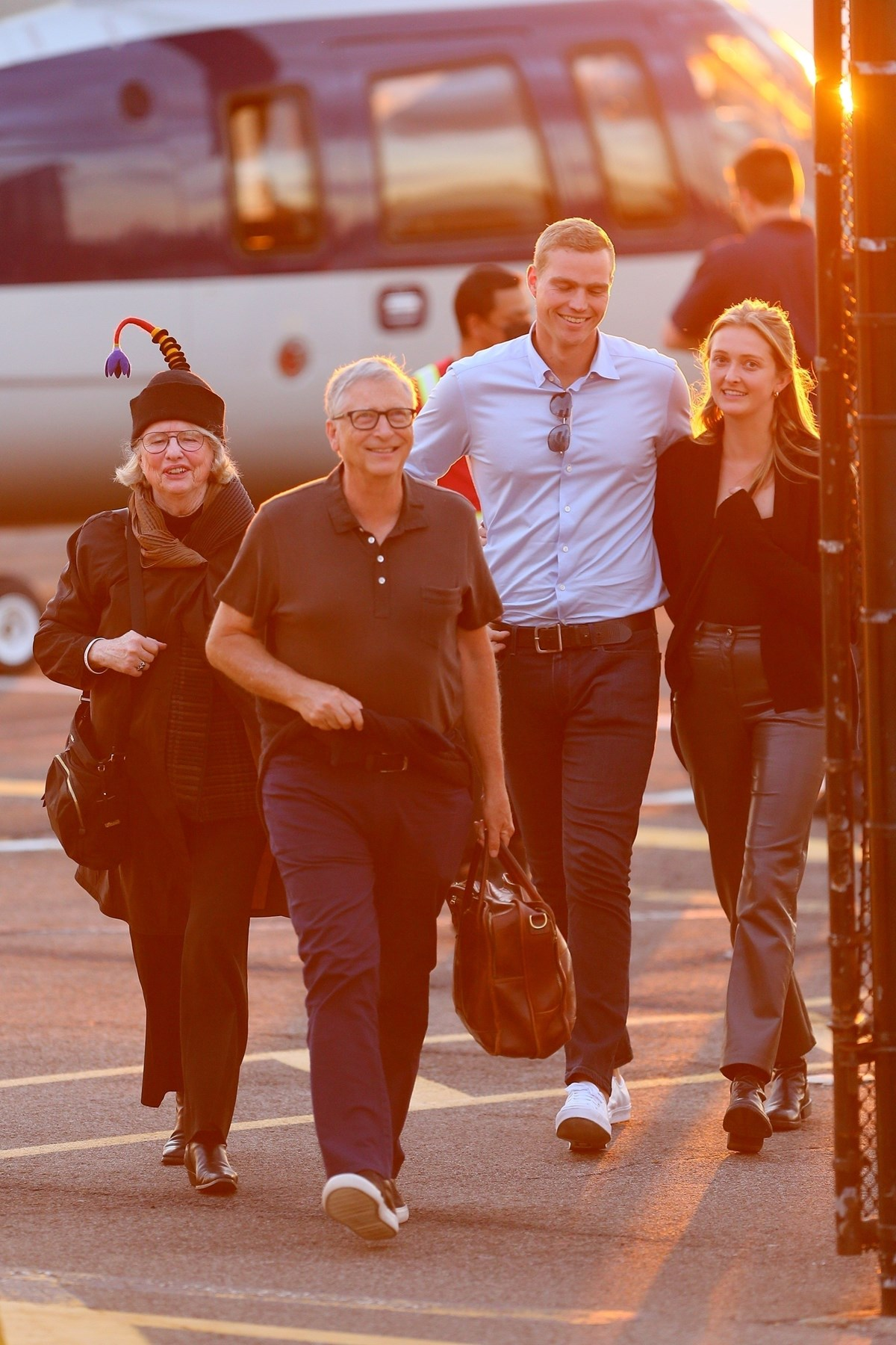 Bill Gates organizasyona gelmek için helikopter kullandı