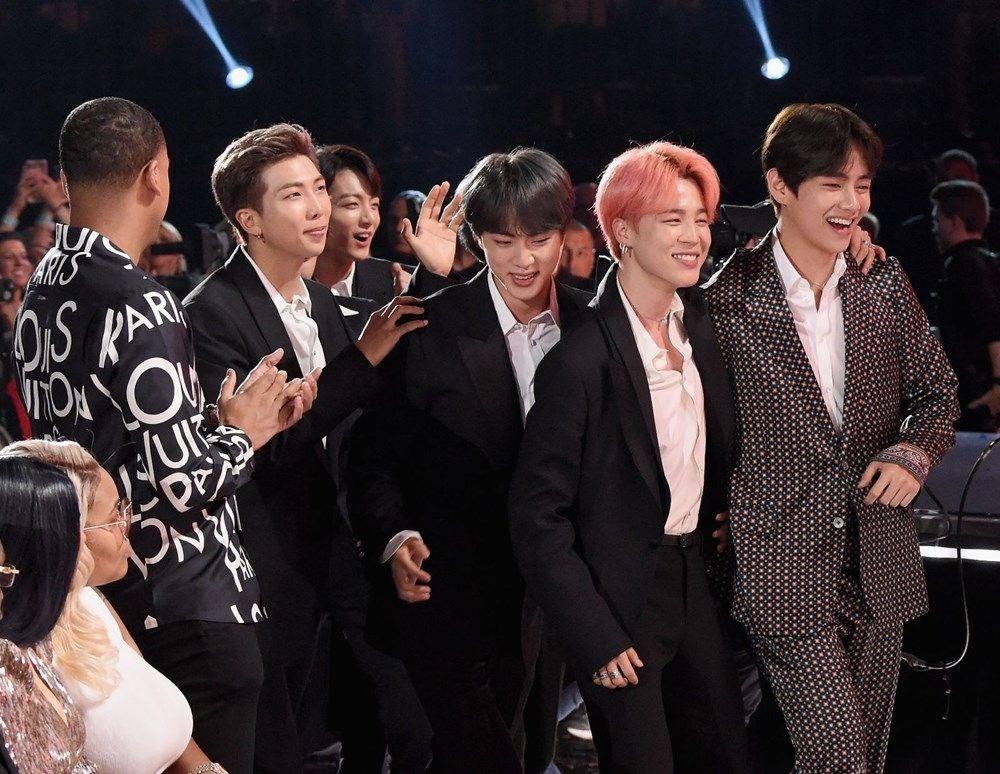 Time'a göre 2020'nin en iyi K-pop şarkıları ve albümleri - 11